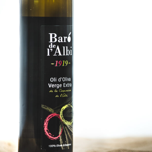 Oli d'oliva verge extra. Cooperativa Agrícola de l'Albi. Detall ampolla 500 ml oli